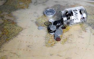 economizar dinheiro para viagens e viagens foto