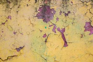 parede com estuque antigo descascado foto