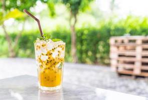 maracujá com refrigerante de hortelã foto
