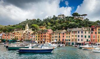 vila de pescadores de portofino na riviera italiana foto