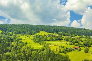 paisagem montanhosa na caríntia, áustria foto