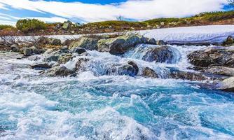 rio storebottane no lago vavatn em hemsedal, noruega foto
