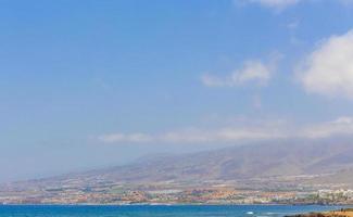 o oceano atlântico em tenerife, nas ilhas canárias foto