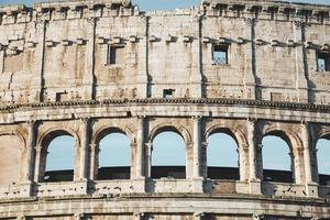 detalhe do coliseu em roma foto