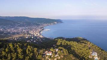 costa da ligúria da área de diano marina na itália foto