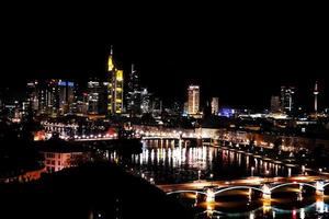 paisagem urbana europeia edifícios gerais na alemanha frankfurt foto