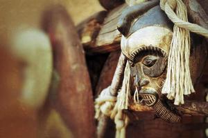 máscara africana antiga abstrata foto