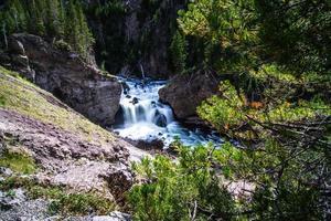 Firehole River e Cachoeiras em Yellowstone Wyoming foto