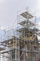 renovação e conserto do templo do telhado foto