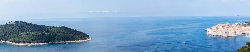 vista do monte sdr em otok lokrum, ilha perto de dubrovnik, croácia foto