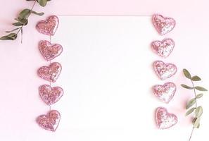 fundo com espaço de cópia em branco no fundo rosa com glitter rosa foto
