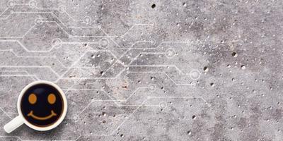 café no cimento com ícone de rosto sorridente com vista superior do espaço foto