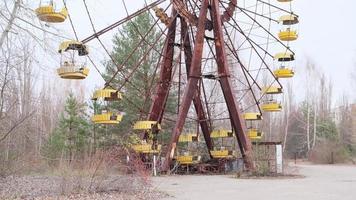 pripyat, chernobyl, ucrânia, 22 de novembro de 2020 - roda gigante em chernobyl foto
