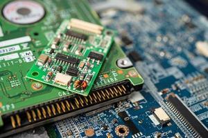 e-waste eletrônico, placa-mãe do chip da CPU do circuito do computador foto