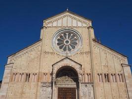 basílica de san zeno em verona foto