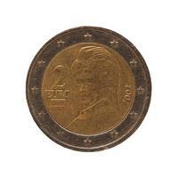 Moeda de 2 euros, união europeia, áustria, isolada sobre o branco foto