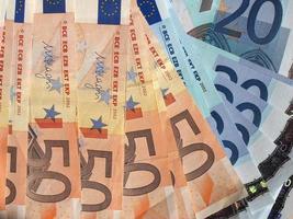 notas de cinquenta e vinte euros foto
