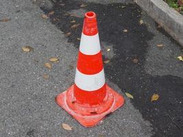 sinal de cone de trânsito foto