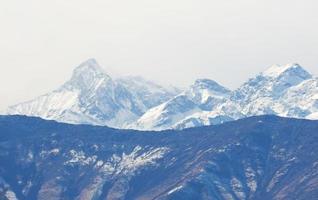 vista dos Alpes italianos no vale dos aosta, itália foto