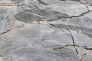 falésias costeiras e superfícies rochosas foto