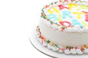 bolo de feliz aniversário em fundo branco foto