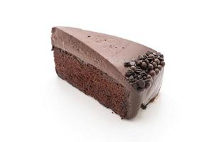 bolo de chocolate no fundo branco foto
