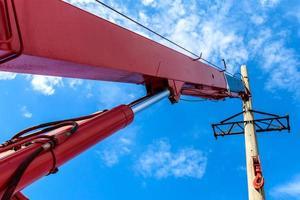 instalação de coluna para linha elétrica de alta tensão foto