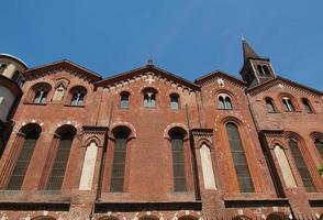 igreja de sant eustorgio, milão foto