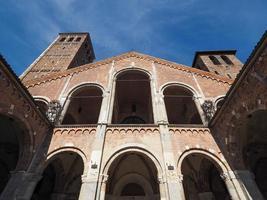igreja de sant ambrogio em milão foto