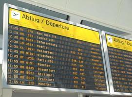 horários dos aviões no aeroporto foto