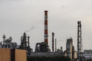 a luz do dia exterior da indústria de poluição ambiental foto