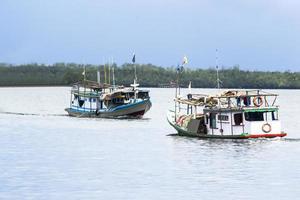 barco de pesca tradicional foto