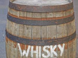 barril de madeira foto