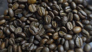 close-up de grãos de café torrados foto
