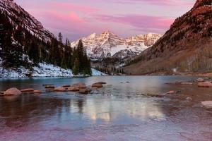 paisagem natural do sino marrom no colorado foto