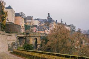 horizonte da cidade velha de luxemburgo vista de cima foto