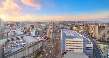 cidade de miyazaki paisagem urbana do centro da cidade em kyushu, japão foto