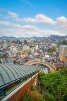paisagem urbana da cidade de nagasaki no centro de Kyushu no Japão foto