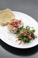 robalo marinado cru peixe salada de ceviche cozinha de fusão gourmet moderna inicial definido em melbourne restaurante austrália foto