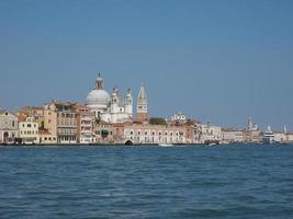 Canal Giudecca em Veneza foto