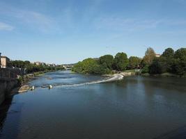 Rio Po em Turin foto