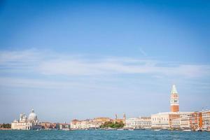 veneza - praça de san marco e santa maria della salute foto