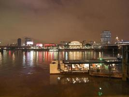 rio Tamisa margem sul, Londres foto