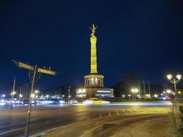 estátua de anjo em Berlim foto