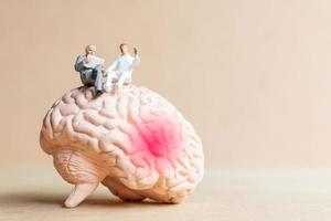 cirurgião falou com paciente sobre lesões cerebrais foto