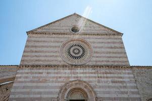 detalhe da basílica de santa chiara foto