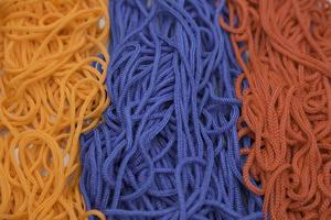 fio nas cores da bandeira armênia foto