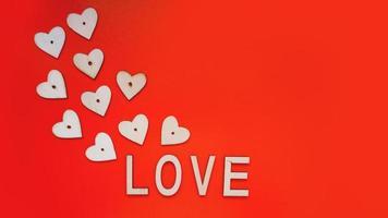 fundo de dia dos namorados com corações vermelhos e letras de amor foto