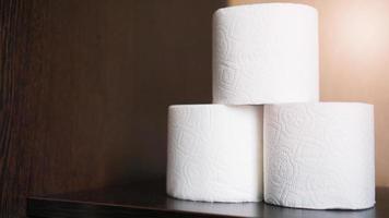 papel higiênico é considerado um item obrigatório durante a crise foto