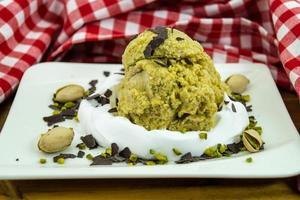 um sorvete de pistache italiano foto